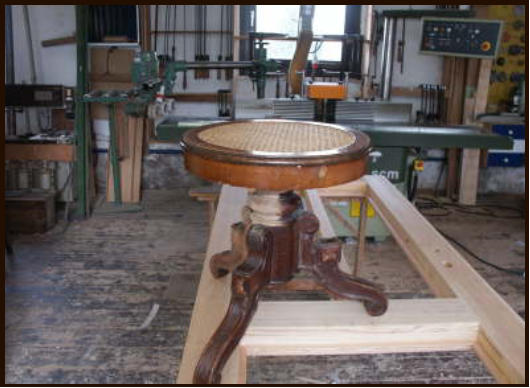 Piano stool before the restoration